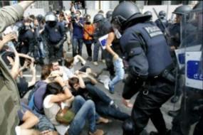 Policía contra referendum